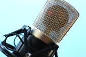 microphone-516043_1920.jpg